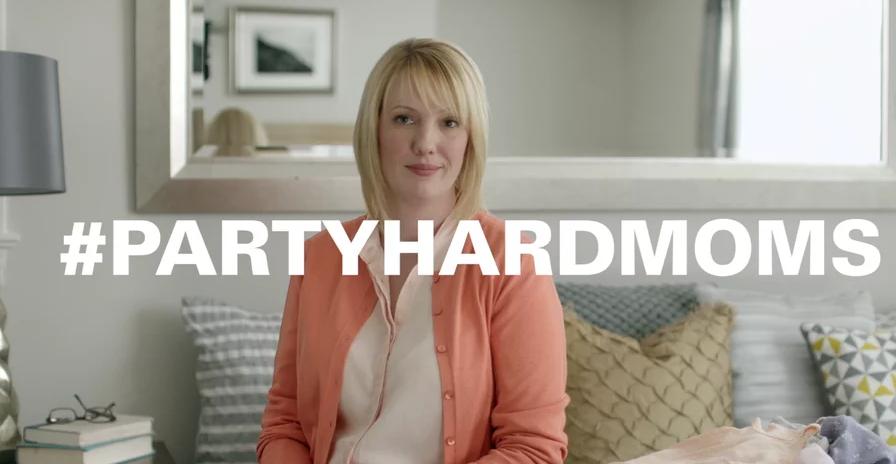 Hefty #PartyHardMoms: Robyn