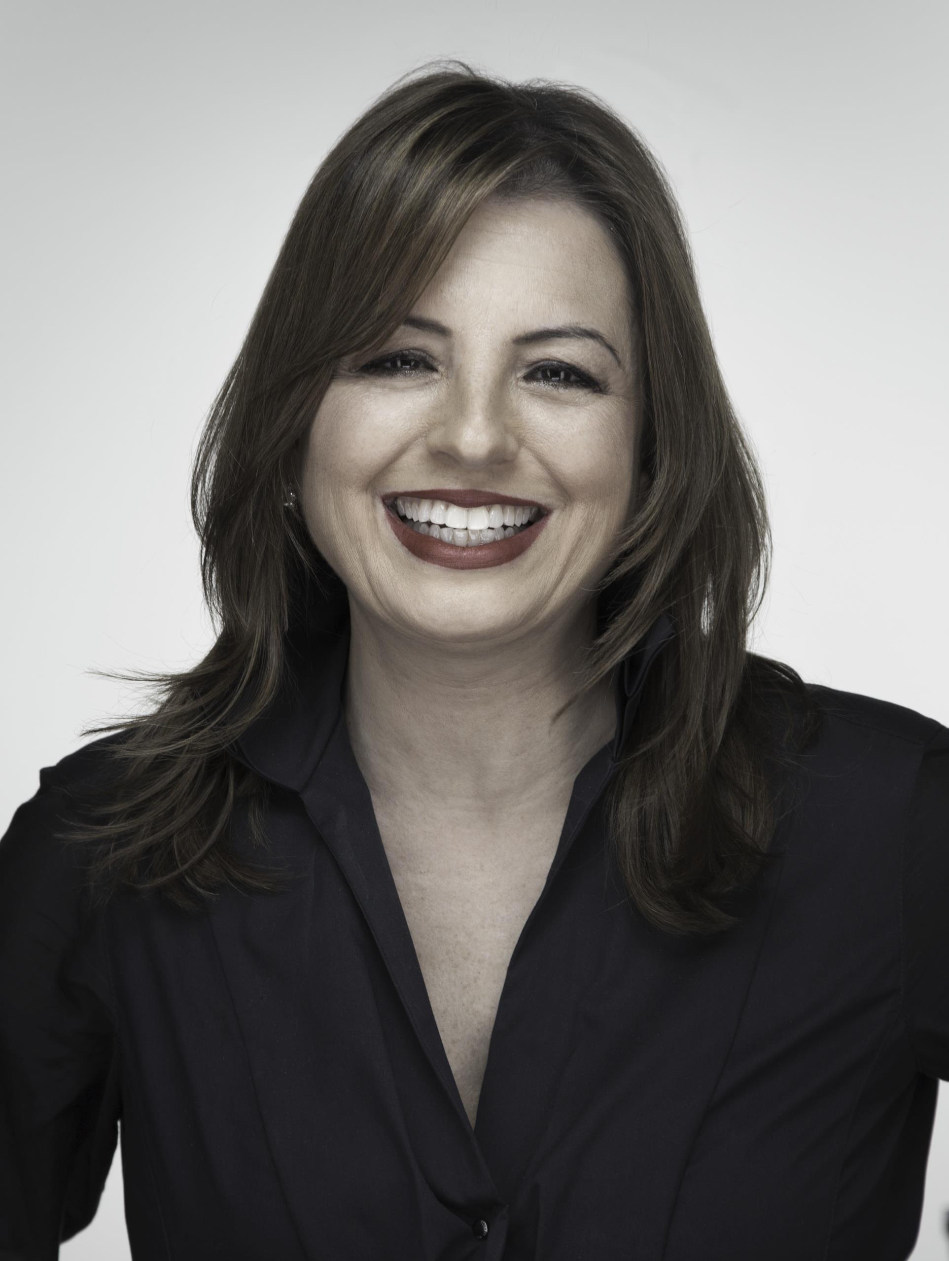 Tina Manikas
