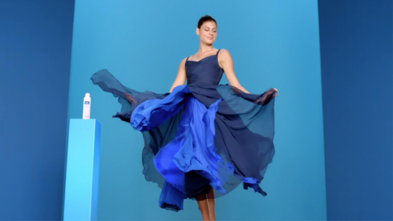 Vaseline: Dress
